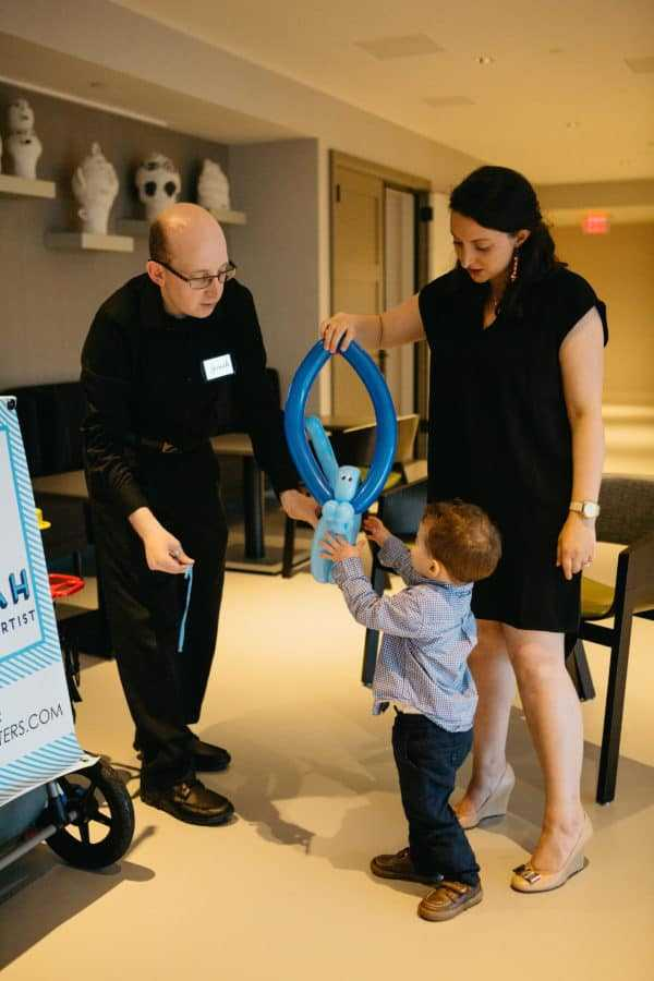 Balloon artist Jonah at event